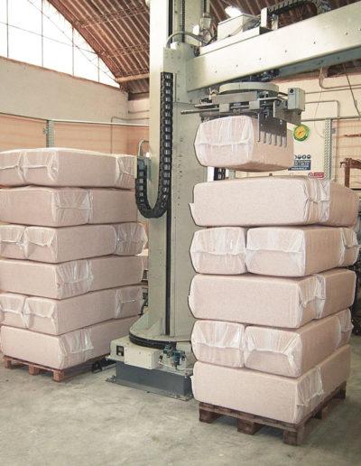 Palettierer, Pakete auf Palett gestapelt
